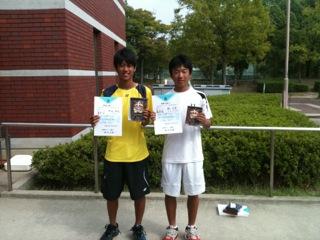 http://hyogo-tennis-as.com/15%E6%AD%B3%E4%BB%A5%E4%B8%8BBS1%EF%BC%8C2%E4%BD%8D.JPG